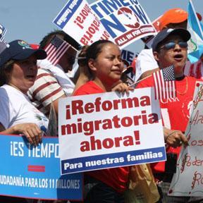 <!--:es-->Con la Reforma Migratoria cada Indocumentado Pagará $5,060 para Legalizar su Permanencia<!--:-->
