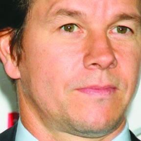 <!--:es-->Mark Wahlberg podría volverse un 'Hombre Biónico'<!--:-->