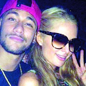 <!--:es-->Neymar y Paris Hilton Juntos en una Disco de Ibiza<!--:-->
