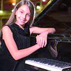 <!--:es-->Daniela Liebman Prodigio del Piano<!--:-->