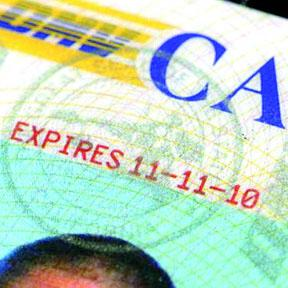 <!--:es-->Gobierno federal aprueba Licencias para Indocumentados en California<!--:-->