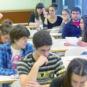<!--:es-->Inicio del Período de Solicitud de Becas del Programa Edison Scholars 2014-15<!--:-->