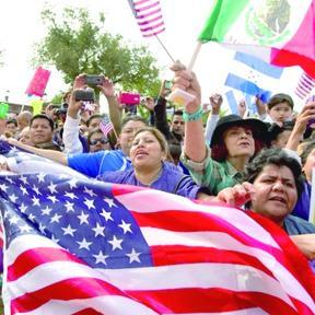 <!--:es-->Inmigrantes impulsarán crecimiento de población en EEUU este siglo<!--:-->