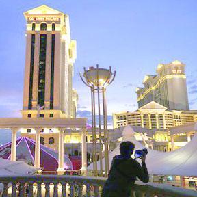 <!--:es-->El mítico Caesars Palace de Las Vegas se declara en quiebra<!--:-->