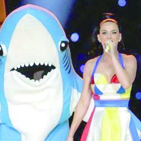 <!--:es-->'Tiburones' de Katy Perry a punto de ser ¡más populares que ella!<!--:-->