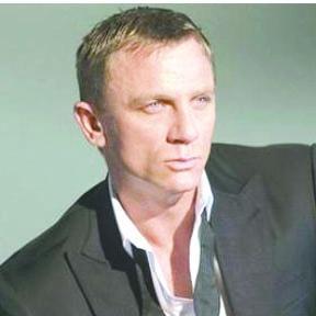 <!--:es-->'James Bond: Spectre' genera pérdidas millonarias en el Zócalo<!--:-->