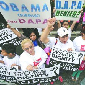 <!--:es-->Alertan a Inmigrantes Indocumentados por estafas con programas DACA y DAPA<!--:-->
