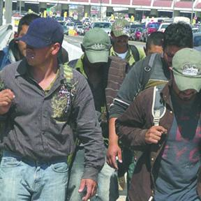 <!--:es-->Mexicanos deportados podrán regresar a EU<!--:-->