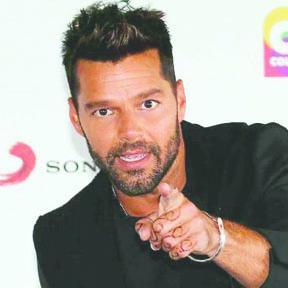 <!--:es-->Ricky Martin también se desliga de Donald Trump<!--:-->