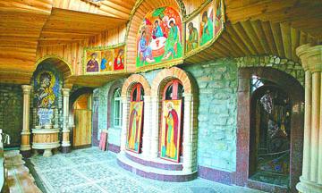 <!--:es-->Fotos: El alucinante Templo del  Universo en Rusia, donde 'conviven' en paz 16 religiones<!--:-->