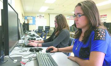<!--:es-->CA: Menos de la mitad de los estudiantes dominaron exámenes estandarizados<!--:-->