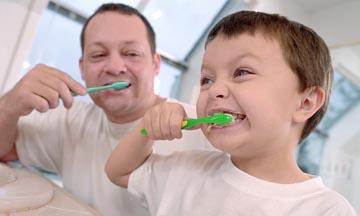 <!--:es-->Cepillado de los dientes<!--:-->