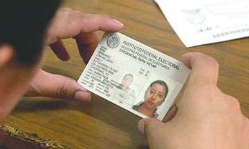 <!--:es-->Lista, la credencial de elector para mexicanos en el extranjero<!--:-->