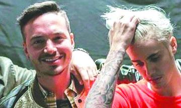 <!--:es-->Justin Bieber sorprendió a J Balvin sobre el escenario<!--:-->
