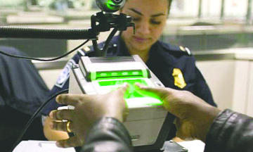 <!--:es-->Estados Unidos agrega Restricciones a las visas<!--:-->