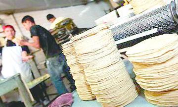 <!--:es-->Por devaluación del peso, precio de tortilla a nivel nacional comienza a subir<!--:-->