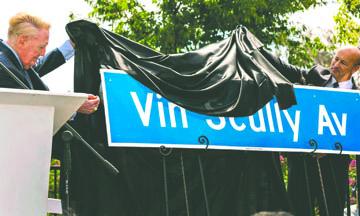 Dodgers tiene nuevo domicilio: 1000 Vin Scully Avenue