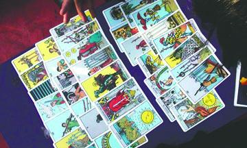 Crece con los Lenguajes Sagrados: Astrología, Numerología y Tarot
