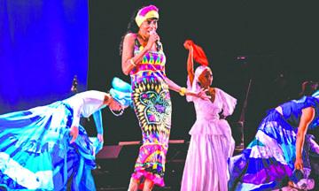 Las vedetes de cabaret jamás se Jubilan… al menos no en Cuba