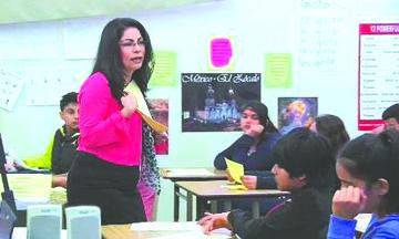 Los estudiantes Latinos están más expuestos a maestros sin experiencia y tienen menos acceso a clases avanzadas