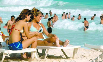 No hay razones para que  disminuya el turismo de EU a México: De la Madrid