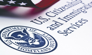 Aplican nuevas Restricciones a las Visas para Profesionistas