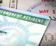 """Los inmigrantes de estos 10 países tienen más """"green cards"""""""