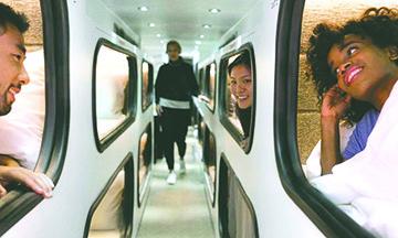 El lujoso autobús que  es como un hotel rodante y pretende sustituir los  vuelos de media distancia en Estados Unidos
