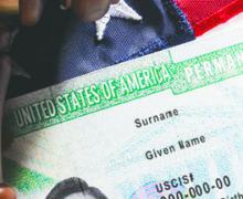 USCIS exigirá entrevista en persona para solicitantes de Residencia permanente