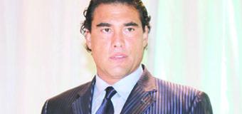 Reportero pide a Eduardo Yáñez 200 mil dólares de indemnización