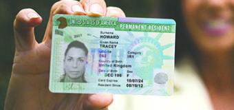 """USCIS explica por qué Inmigrantes con """"Green Card"""" deben portar siempre su Documento"""