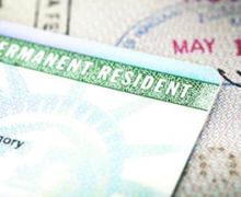 El Servicio de Inmigración Retira miles de Green Cards por Errores en la Fecha de Emisión