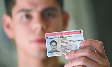 """USCIS implementa nueva forma de envío de """"green card"""", permiso de trabajo y otros Documentos"""
