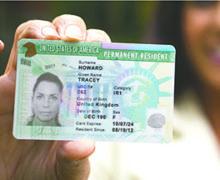"""Importante anuncio para Portadores de """"Green Card"""" en California en Espera de su Extensión"""