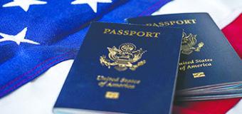 Podrían negarle pasaporte a 362,000 personas en EEUU por deber impuestos al IRS