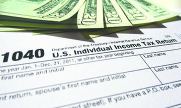 La regla de IRS sobre impuestos que todo inmigrante naturalizado debe saber