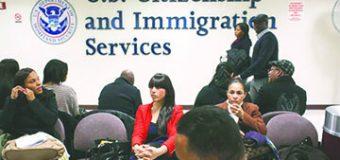 """¿Un inmigrante con """"green card"""" podría ser deportado si le niegan  la naturalización?"""