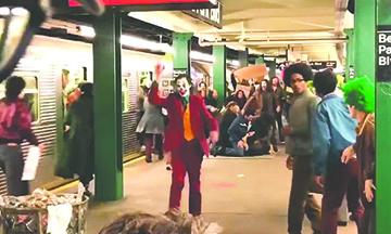 """""""The Joker"""" desata el pánico en el Metro de Gotham"""