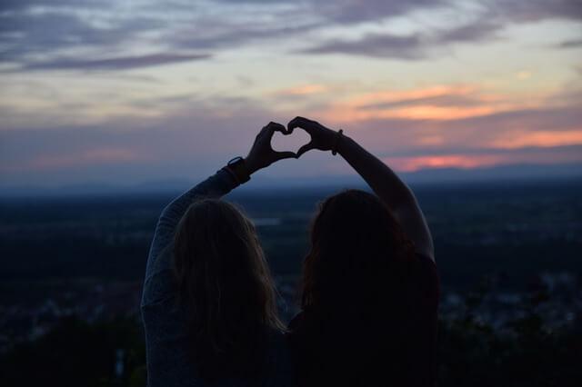 El Amor Viene y Va pero la Amistad Verdadera Permanece