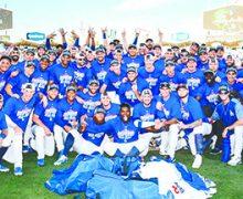 ¡Los Dodgers son el primer equipo en destapar las botellas de champaña..!