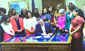 """El Gobernador Newsom Firmó otra Ley """"a favor de las Mujeres,"""" que pondrá en Peligro a las Mujeres"""