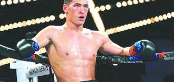 Dmitry Bivol se postula para enfrentar a Canelo Álvarez