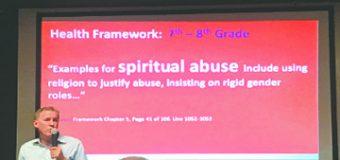 Cientos de padres y miembros de la comunidad se unen a la lucha contra la educación sexual integral obscena (ESI)
