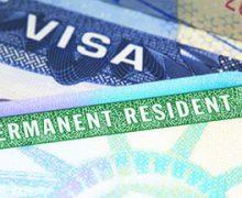 ¿Puede una persona pedir a USCIS cancelar la petición de 'green card' a su pareja infiel?
