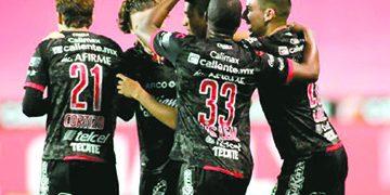 """Unos """"transformados"""" Xolos disputarán la final de la Copa MX ante Monterrey que mantiene su base"""