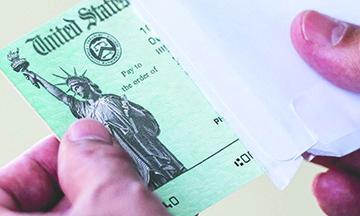 """Un Segundo Cheque de Estímulo está en camino para """"Estimular la Economía"""""""