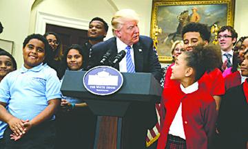 El Presidente Donald J. Trump está ampliando las oportunidades educativas para los Niños y Familias afectados por la pandemia