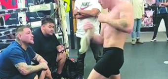 'Canelo' Álvarez le enseña a Andy Ruiz a cómo noquear para su pelea ante Arreola