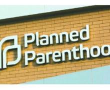 Planned Parenthood Impulsa un Proyecto de Ley para Obligar a las Compañías de Seguros a Guardar Secretos de los Padres